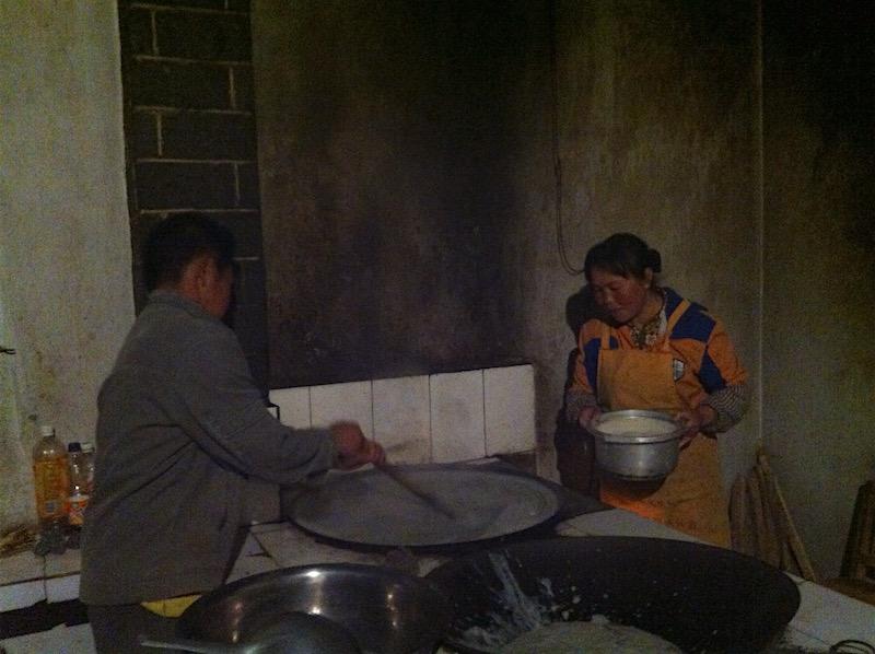 Cooking the jidou liangfen